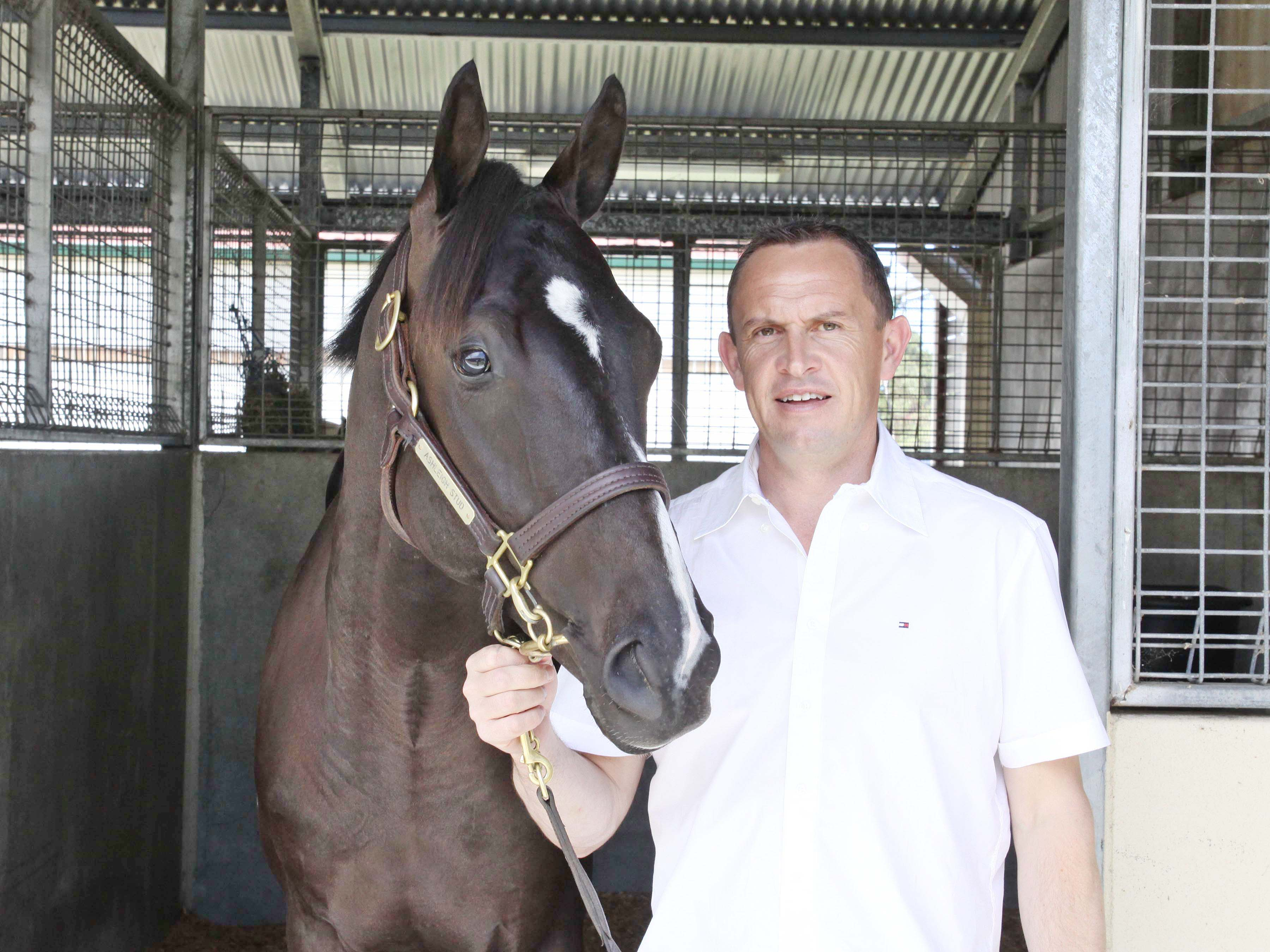 Lot 51_Lonhro x Involve_11-01-2012_GEN_MM Gold Coast__518